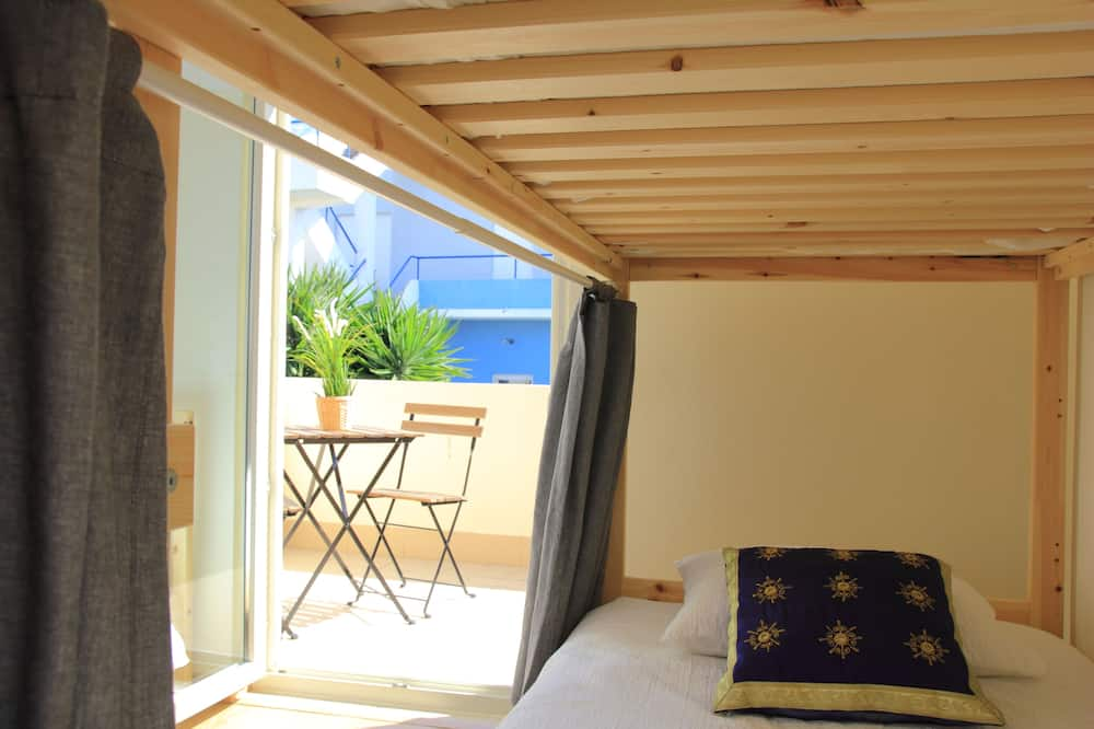 Standard trippelrum - flera sängar - eget badrum - Gästrum