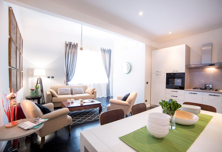 Rent In Rome - Flo's Apartment, Rome, Appartement, 2 slaapkamers, Woonruimte