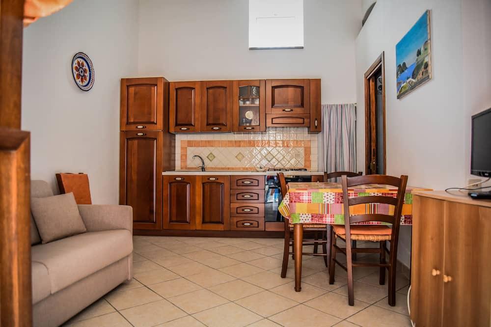 Apartment, Terrace, Partial Sea View - Ruang Tamu