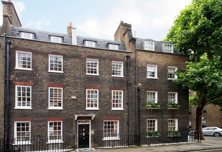 Comfortable 7BR Family Home near Buckingham Palace, London, Fassade der Unterkunft