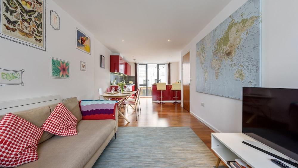 stunning modern 2 double bedroom apartment london united kingdom
