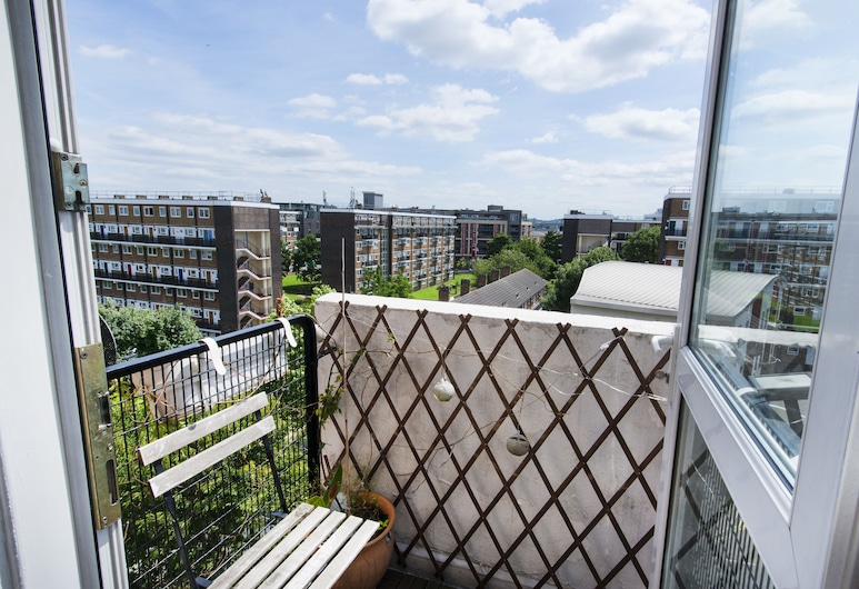 Central Stylish 2BR Flat with Tower Bridge Views, London, Apartment, 2 Bedrooms, Balcony