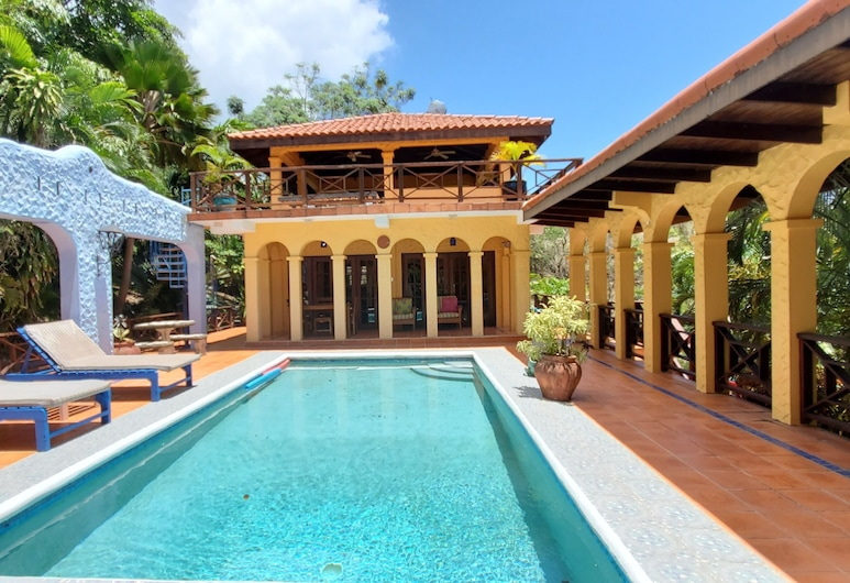 Turtleback Pavilion, St. George's, Honeymoon Villa, 1 King Bed, Private Pool, Sea View, Private pool