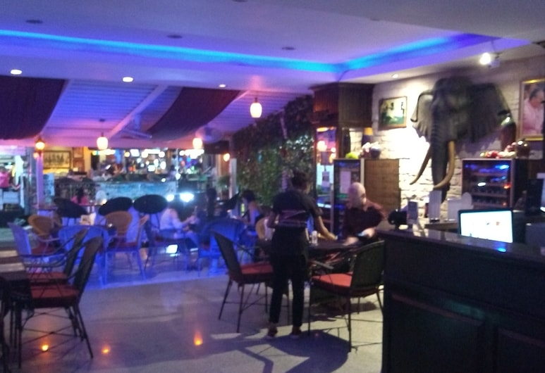 Zip Lounge & Apartments , Pattaya, Lobby Lounge