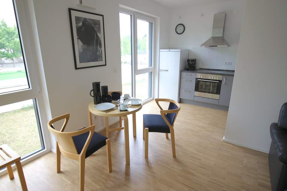 Aukštesnės klasės apartamentai, 1 miegamasis, su patogumais neįgaliesiems, terasa - Vakarienės kambaryje