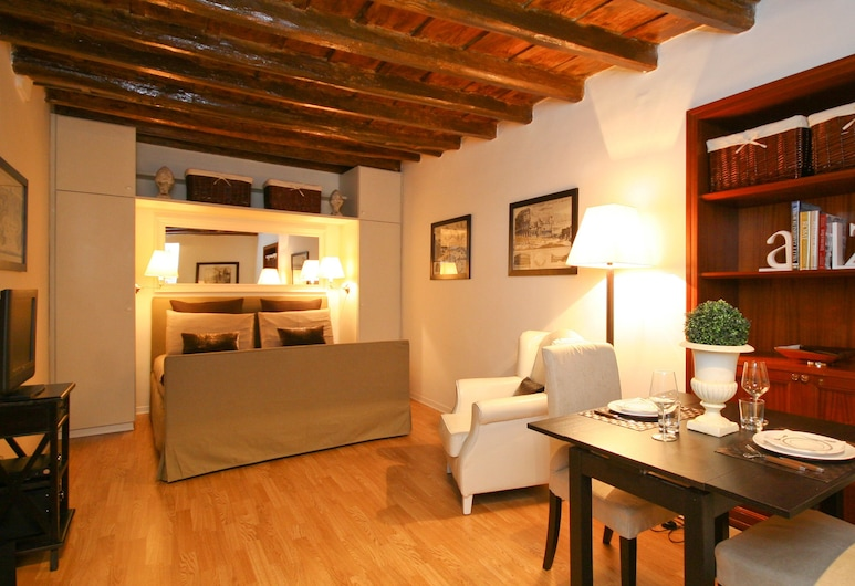 Rental in Rome Romantica Studio, Rome, Studio, Room