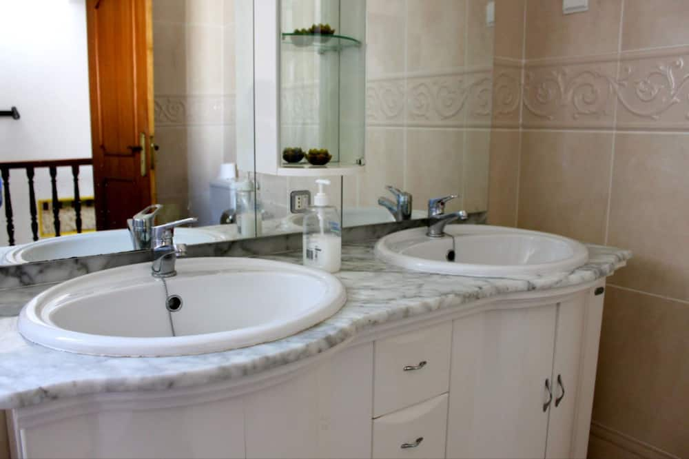 Villa, 2 Bedrooms - Bilik mandi