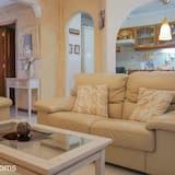 House, 3 Bedrooms - Ruang Tamu