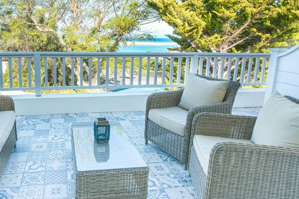 Deluxe Double Room, 1 Queen Bed, Ocean View - Terrace/Patio