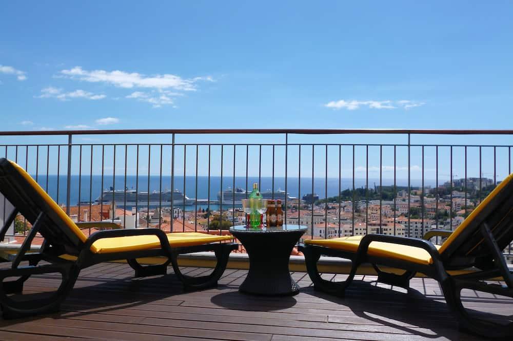 Apartamento exclusivo, 1 habitación, balcón, vistas al mar - Imagen destacada