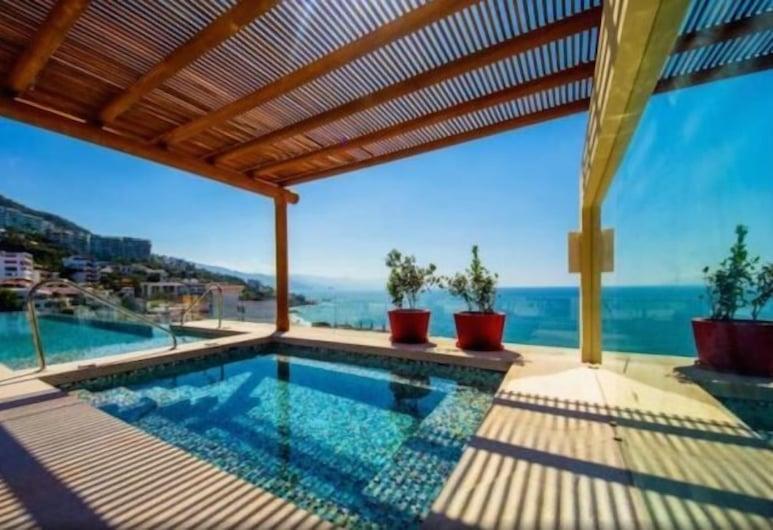 ROMANTIC ZONE V177 1 BEDROOM, Puerto Vallarta, Rooftop Pool