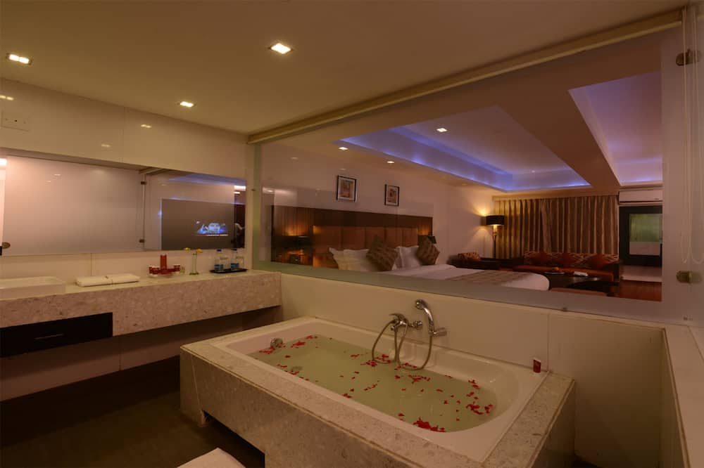 חדר אקזקיוטיב - חדר רחצה