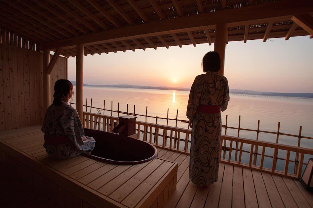 Tradicionāls luksusa numurs (Ocean Front with Open Air Bath) - Balkons