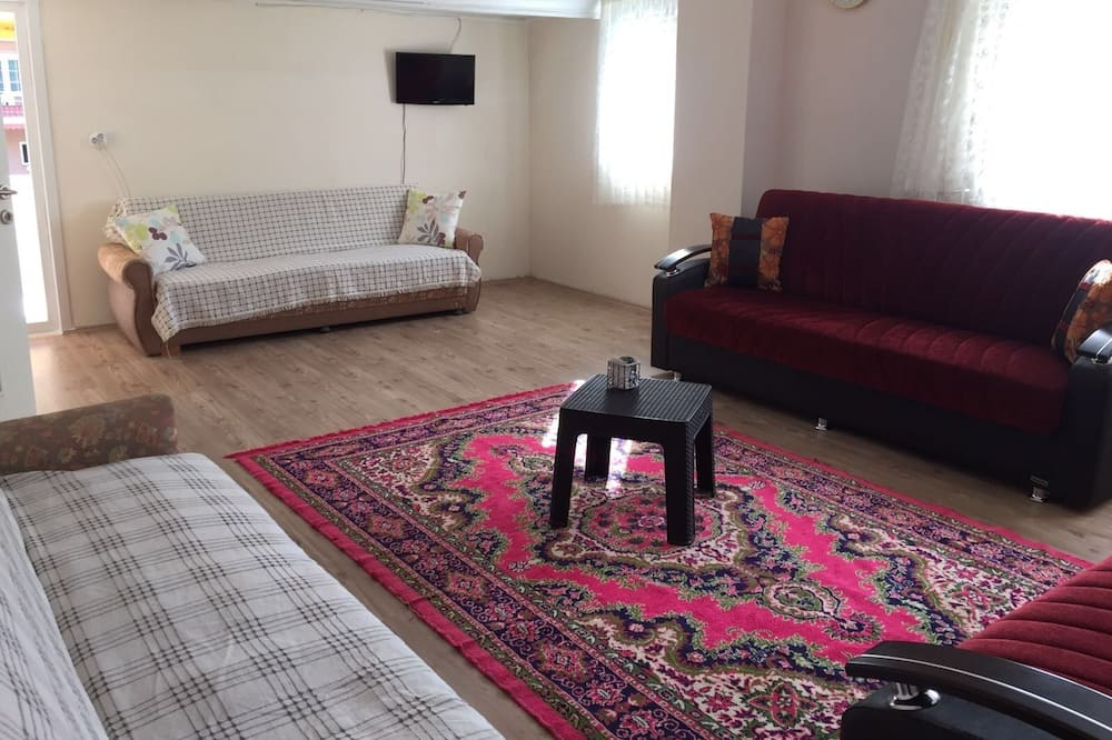 Apartment, 3 Bedrooms (8 People ) - Living Area