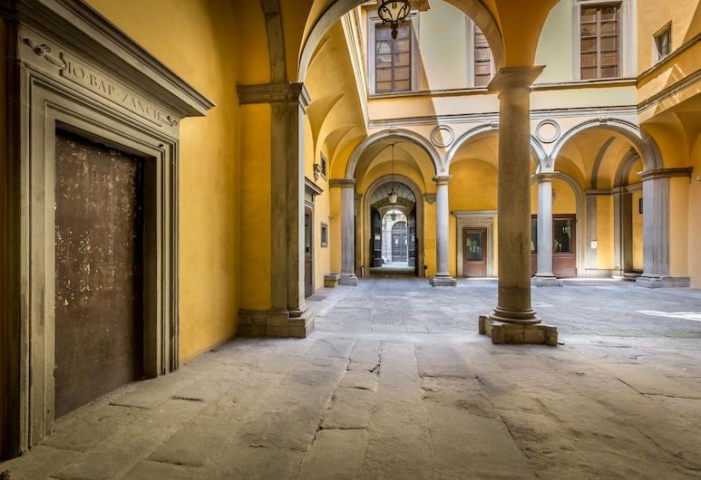 Palazzo Ridolfi, Florence, Hotel Entrance