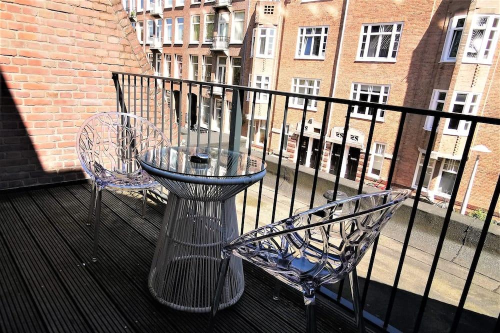 Номер «Superior» (1 двоспальне або 2 односпальних ліжка), з балконом - Балкон