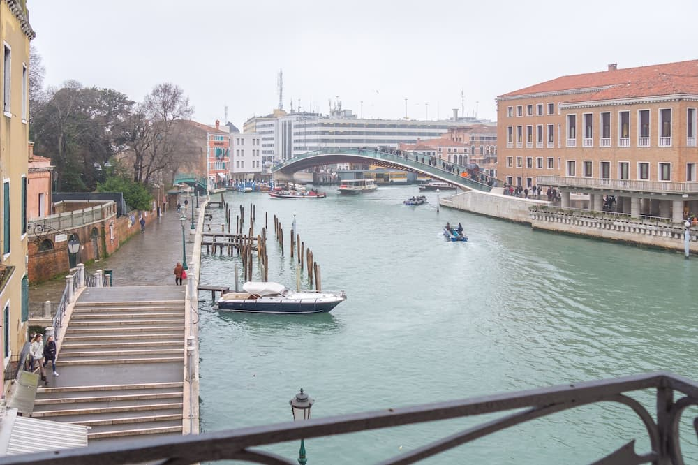 Junior Suite, 1 Bedroom, Grand Canal View - Guest Room