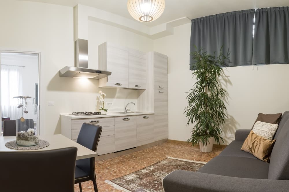 Suite, 1 Bedroom, Grand Canal View - Living Area