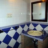 Δίκλινο Δωμάτιο (Double), Μπαλκόνι - Μπάνιο