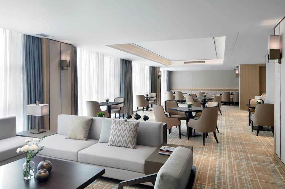 Executive Room, 1 Double Bed, Non Smoking - Hotel Bar