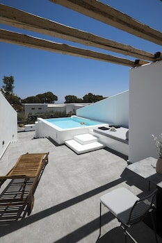 Picture of Altera Pars Suites in Santorini