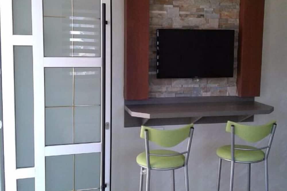 Apartment with Shared Bathroom - Stofa
