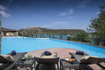 Enter your dates to get the best St. George's hotel deal