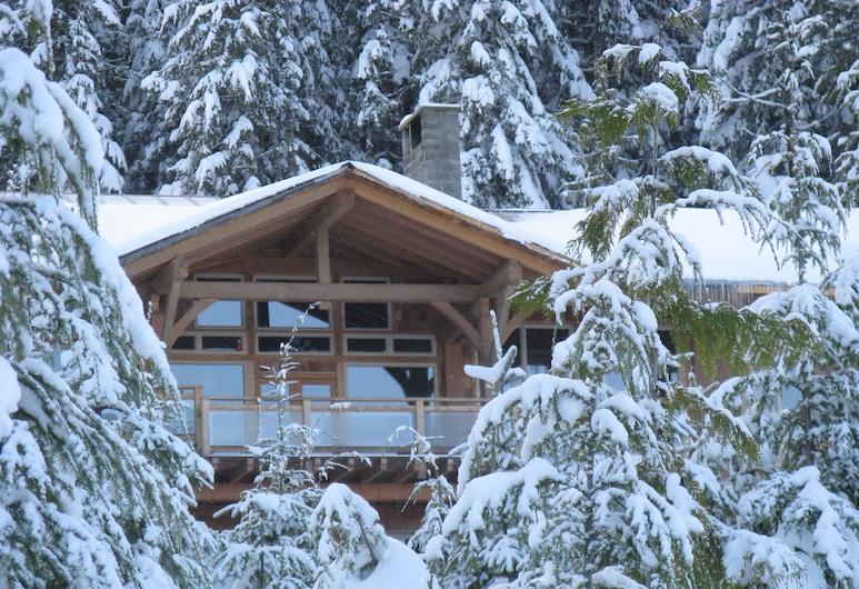 Wood Mountain Lodge, Courtenay, Teren przynależny do obiektu