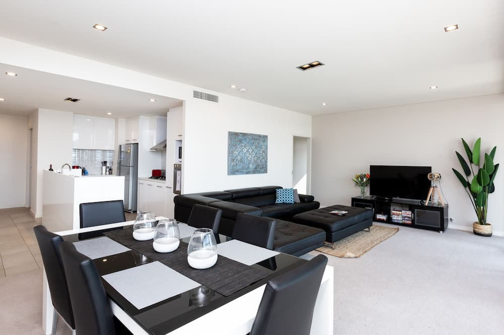 Executive Apartment, 4 Bedrooms, 2 Bathrooms, City View - In-Room Dining