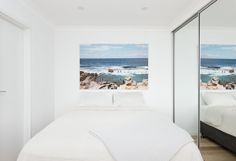 Right on Bondi H340, Bondi Beach