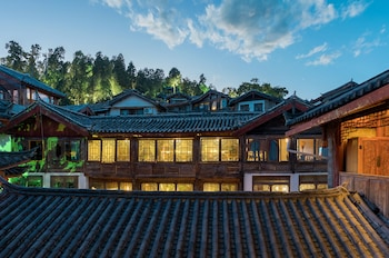 Picture of Lijiang Sunshine.Nali - Shuiling Inn in Lijiang