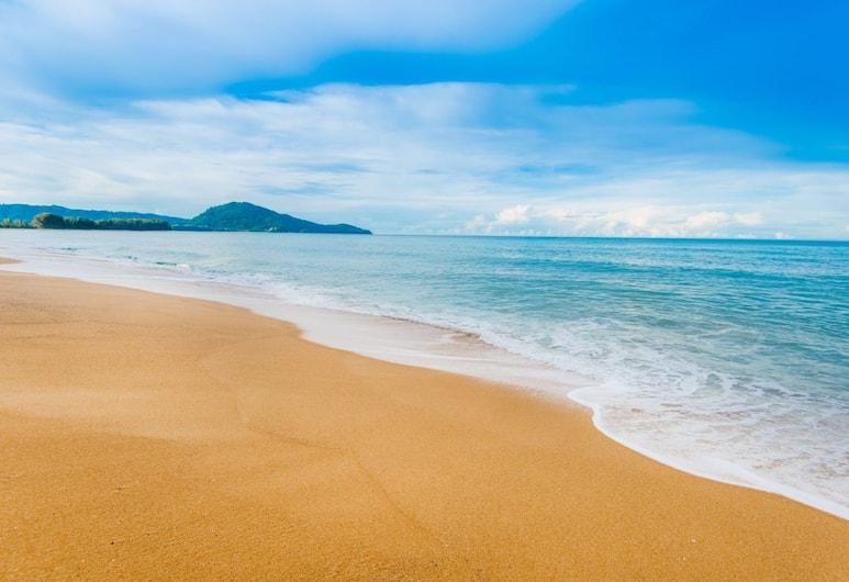 엑설런스 비치프런트 빌라, 마이 카오, 해변