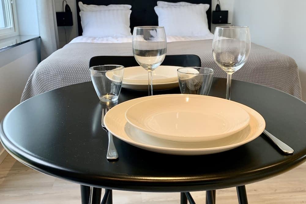 Апартаменти, тераса - Обіди в номері
