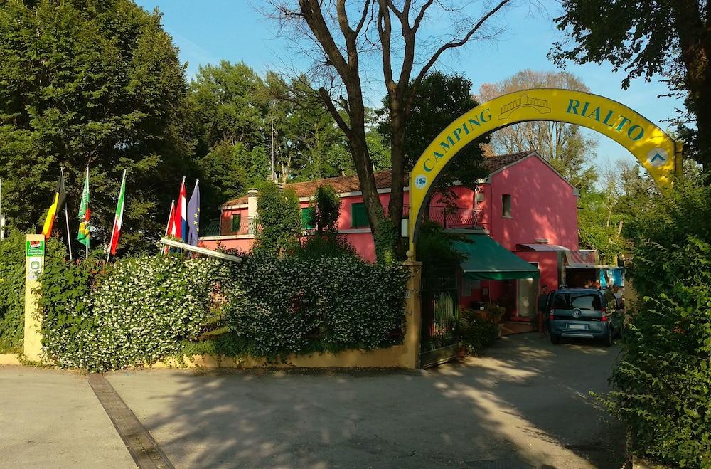 book camping rialto in mestre | hotels