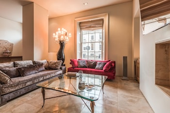 Picture of The Oscar Wilde Suite by 5STARSTAY in Dublin