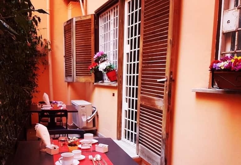 Operà Suites Roma, Rome, Terrace/Patio