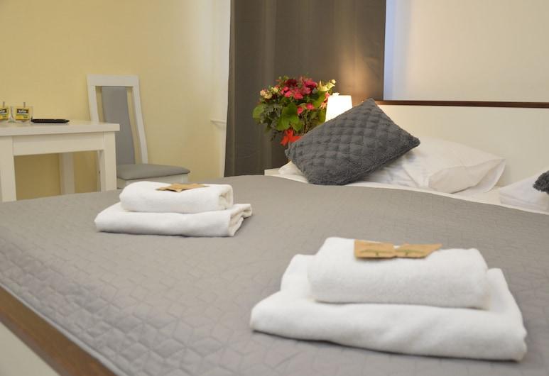 Cracow Central Aparthotel, Cracovia, Habitación estándar doble, no fumadores, baño privado, Habitación