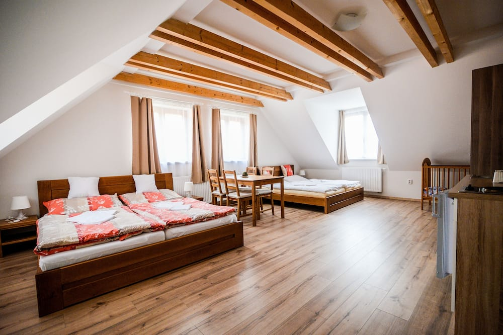 Apartment, 2 Bedrooms, Kitchenette - Children's Theme Room