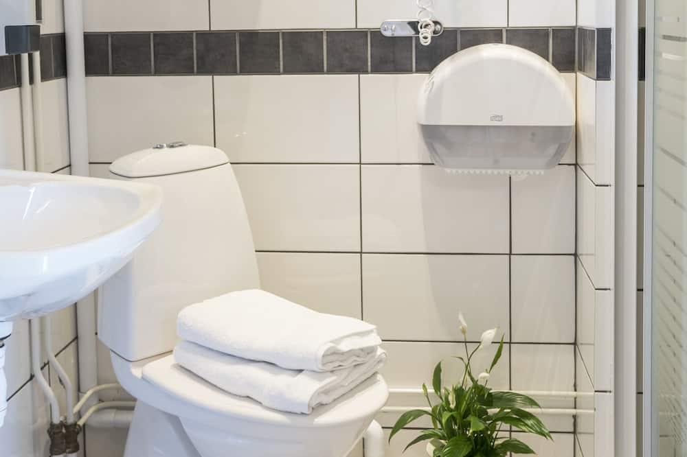 Kamar Triple, kamar mandi pribadi - Kamar mandi