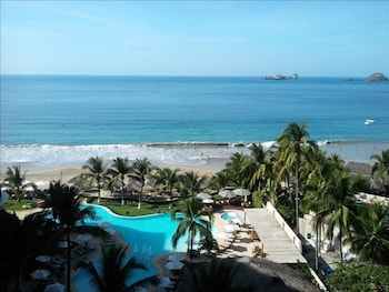Picture of Residence BayViewGrand 1BR by VillasHK28 in Ixtapa