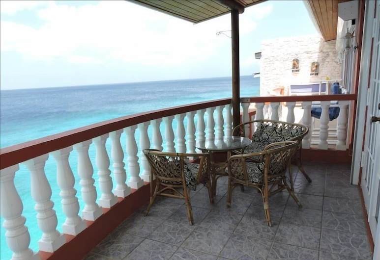 Luxurious Villa with Great Sea View, Sabana Westpunt