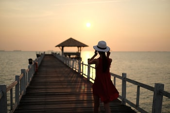 Enter your dates for special Chonburi last minute prices
