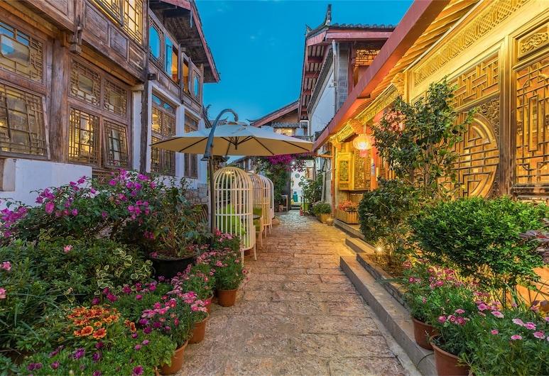 Lijiang Sunshine.Nali - Ya Garden Inn, Lijiang, Façade de l'hôtel - Soir/Nuit