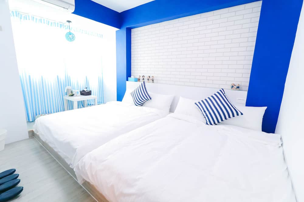 Economy Quadruple Room, 2 Double Beds - Guest Room