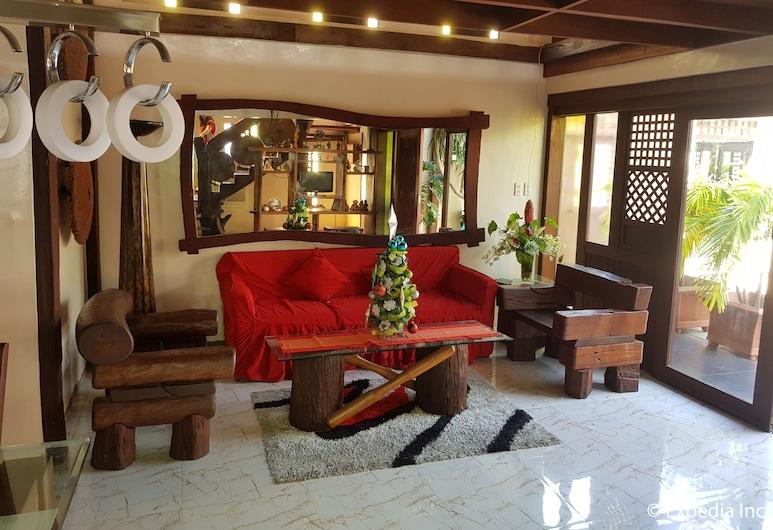 GAP Plaza Hotel, Balanga, Penthouse, Living Area