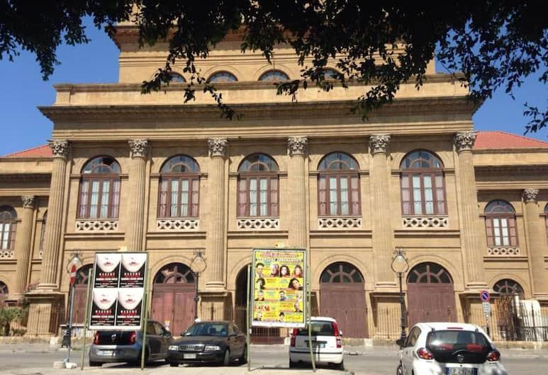 La Finestra Sul Massimo, Palerme, Extérieur