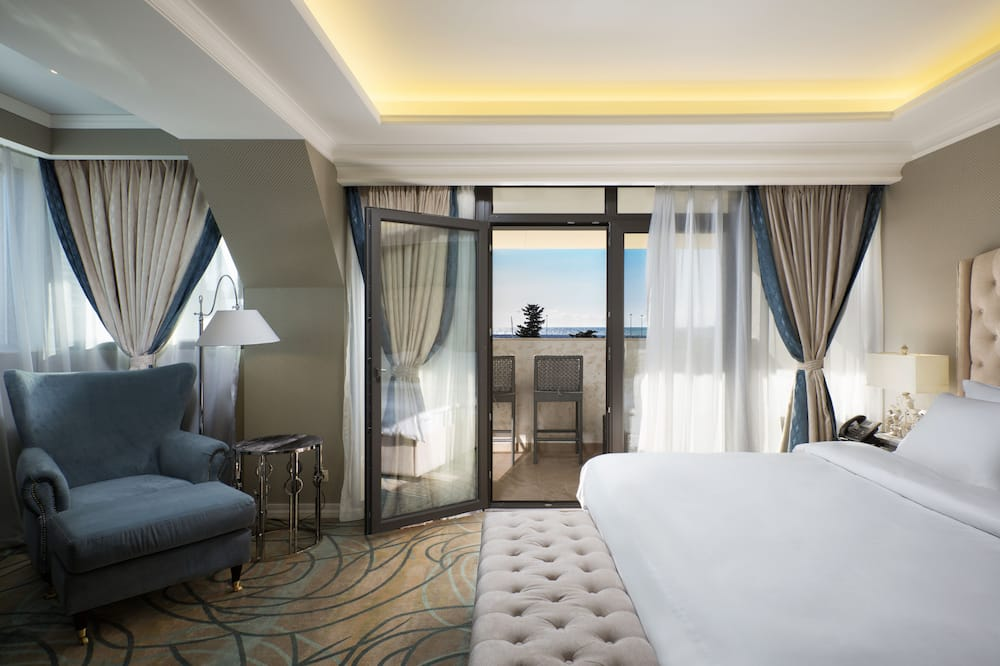 Superior Suite, Jetted Tub, Sea View - Balcony