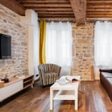 Luxury Apartment, City View - Living Room