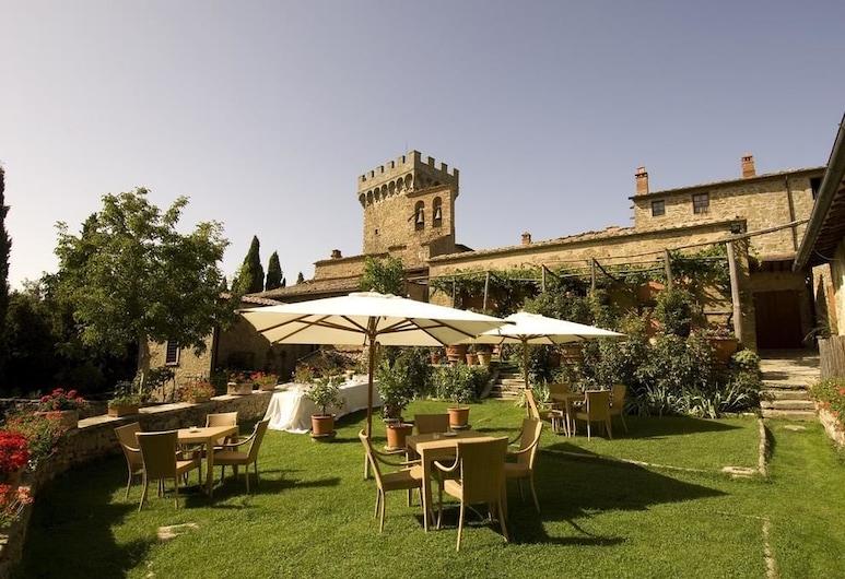 加尔冈萨城堡酒店, 蒙特圣萨维诺, 室外用餐