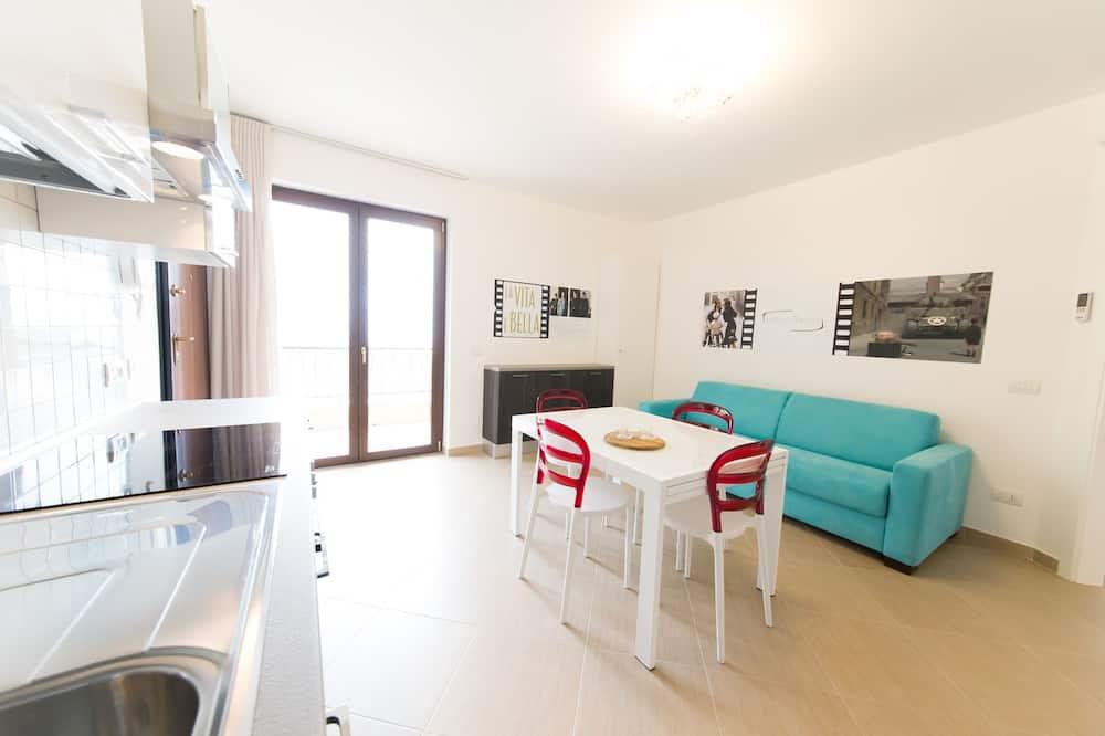 Superior Apartment, 2 Bedrooms, Partial Sea View, Tower - Ruang Tamu
